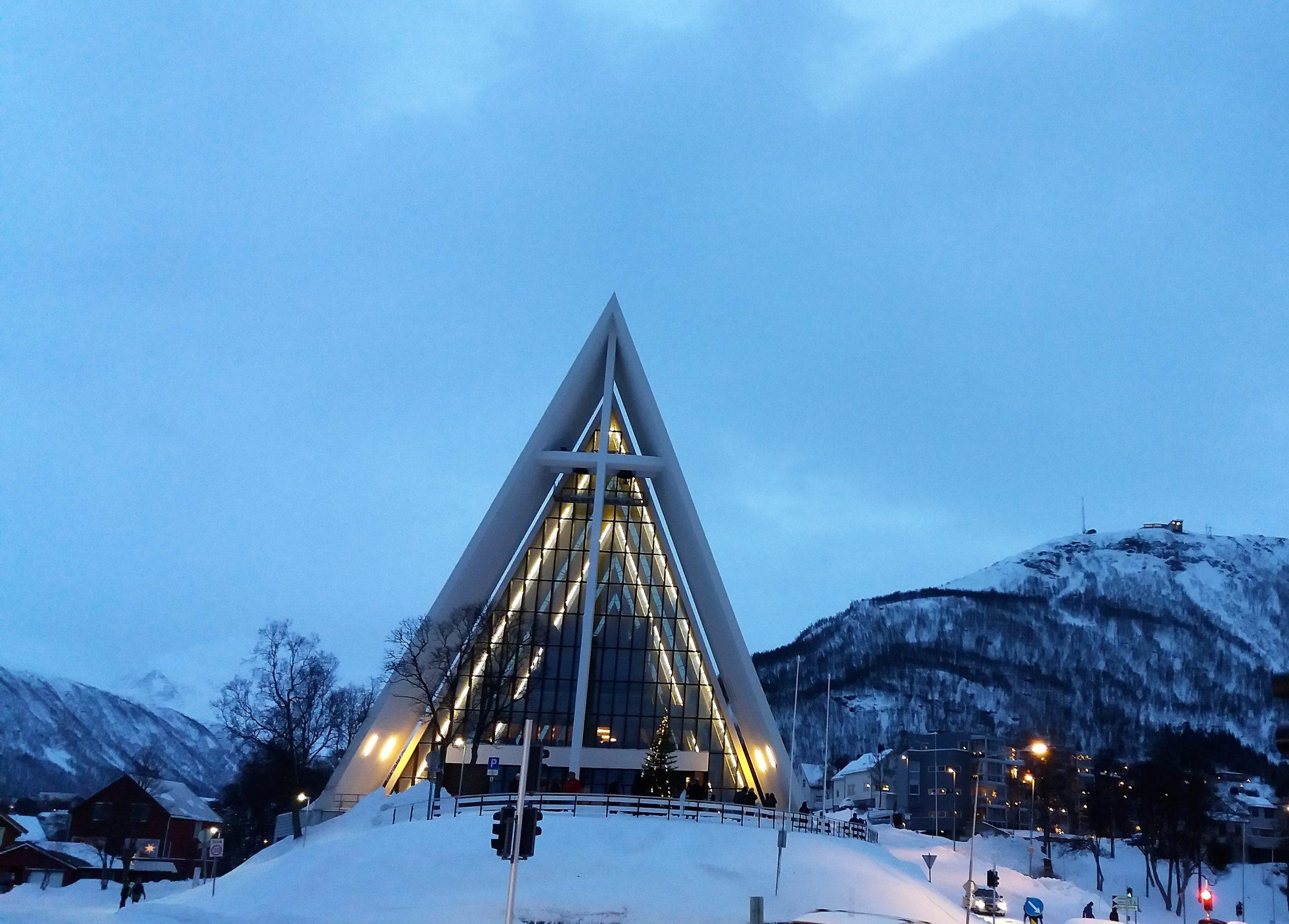 Arktická katedrála v Tromso